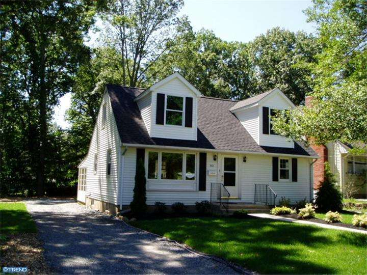 COMPLETELY RENOVATED 4BR & 2 BATH HOME IN GREAT NEIGHBORHOOD. A MUST SEE
