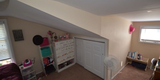 3 Bedroom, 1 Bathroom Single Family House