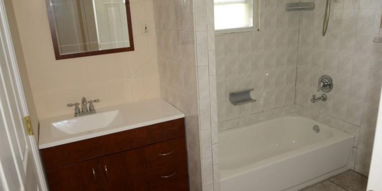 3-walton-bathroom-2-880x440