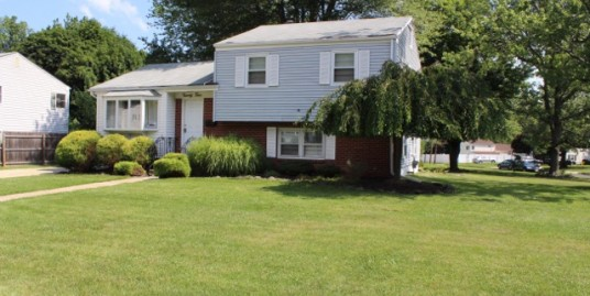 24 Dixmont Avenue – Available June 2021 – TCNJ and Rider