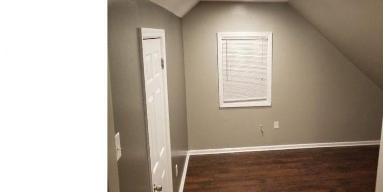 408 Greenway- Master Bedroom (3)