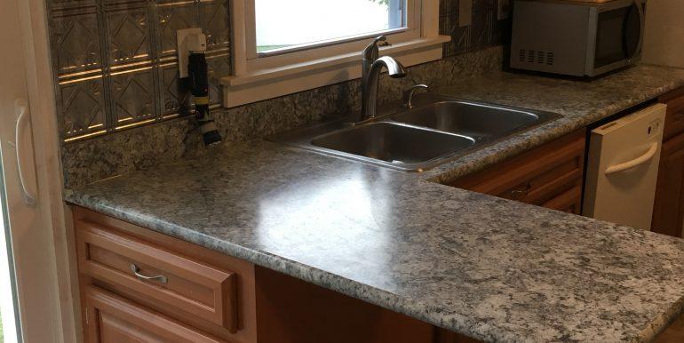 Browning Kitchen Peninsula-Sink