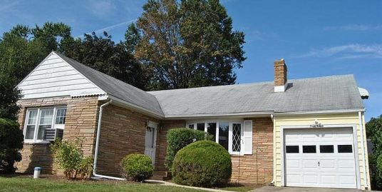 Spacious 6 Bedroom steps away from TCNJ and Rider – 5/6 students